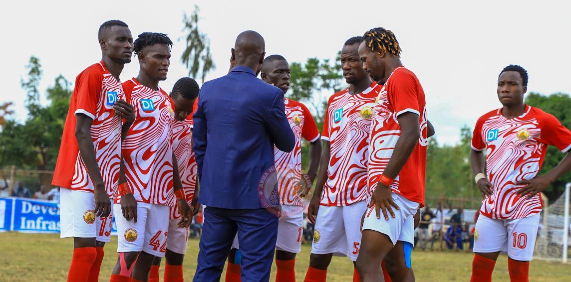 Mbalangu addresses his players during first round meeting with Gaddafi last April at Barifa